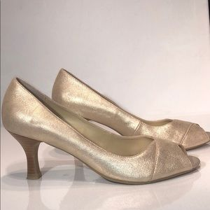 Kenneth Cole Reaction open toe heels 👠 size9m